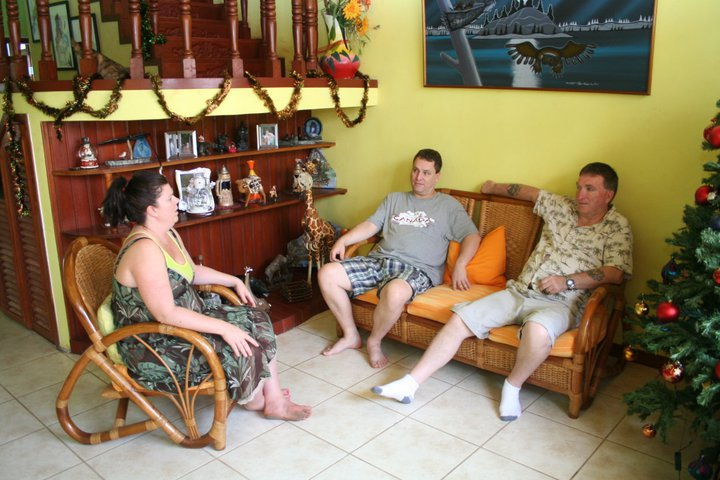 Deborah and her uncles Terry and Fisher enjoying a family chat.